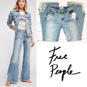 NEW Free People Vintage Jeans in Maya Blue